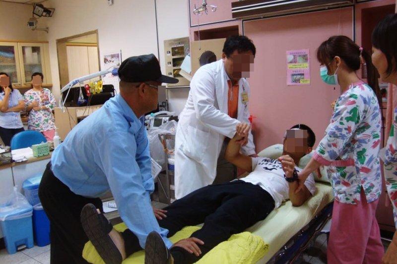 周末假日急診患者的死亡率增加33%-52%,國定假日急診患者死亡率更上升87%。(圖/國軍退除役官兵輔導委員會@flickr)
