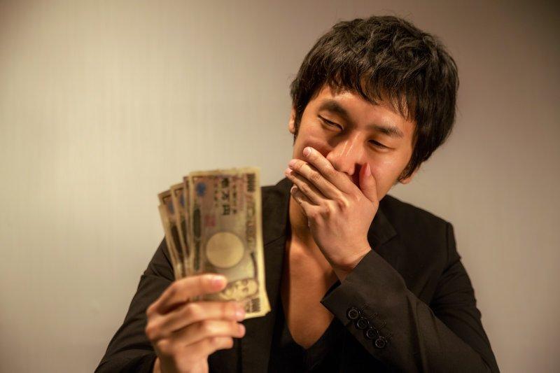 懂得投資理財的真理,才能避免落入高風險陷阱。(圖/pakutaso)