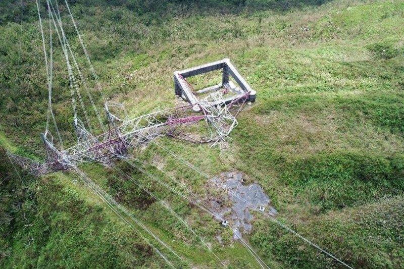 花蓮和平電廠倒塌電塔(台電)