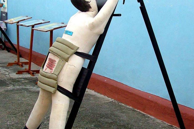 新加坡鞭刑示意圖。(維基百科公有領域)