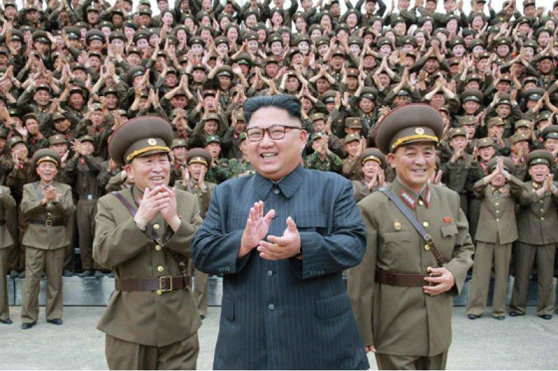 金正恩視察戰略軍司令部,官兵高呼「誓死擁護!」。