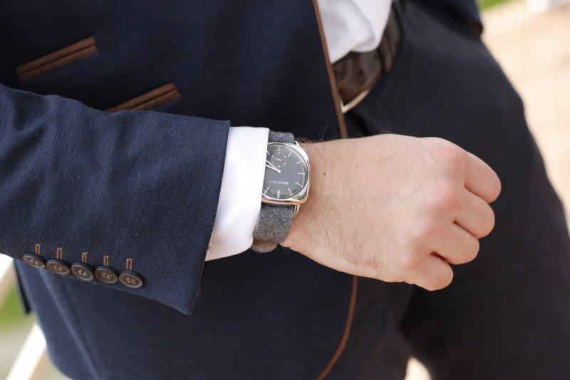 職場男性的下半身──西裝褲,代表了不容忽視的專業品味,到底要如何挑選呢?(圖/pixbay)