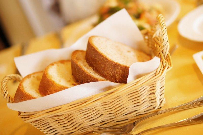 國人偏向以澱粉類為主食的飲食習慣,加上攝取過多精緻食物,一吃下肚很容易就分解成葡萄糖,讓血糖迅速上升(圖/Enami Imane@flickr)