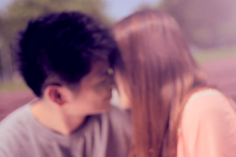 想要重拾兩人的親密關係,或許從關愛重新贏回信任開始。(示意圖非本人/翻攝自youtube)