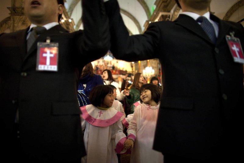 自由之家中國宗教報告:中國與梵蒂岡關係好轉,天主教可望受惠(AP)