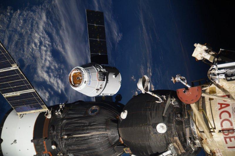 美國太空探索技術公司(SpaceX)的「天龍號」(Dragon)8月16日與國際太空站會合(AP)