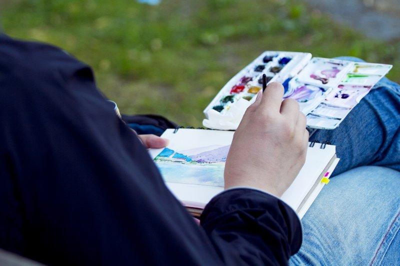 「專業」值多少錢?女大辛苦幫忙彩繪店面兩個禮拜,只拿到3000元薪資,上網po文後引來社會各種評論。(示意圖/Party Lin@Flickr)