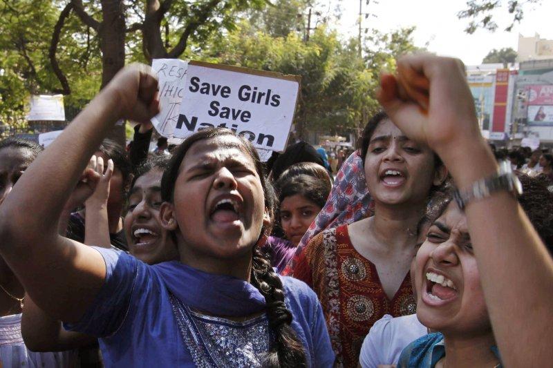 印度婦女與兒童發展部一份研究顯示,53.22%受訪兒童表示,他們曾遭性侵,而犯案者竟有一半是他們的照顧者或信任的人。(美聯社)