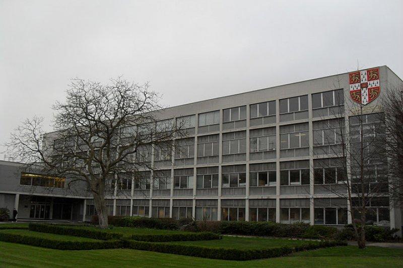 英國劍橋大學出版社(Cambridge University Press)(McAnt@Wikipedia / CC BY-SA 3.0)