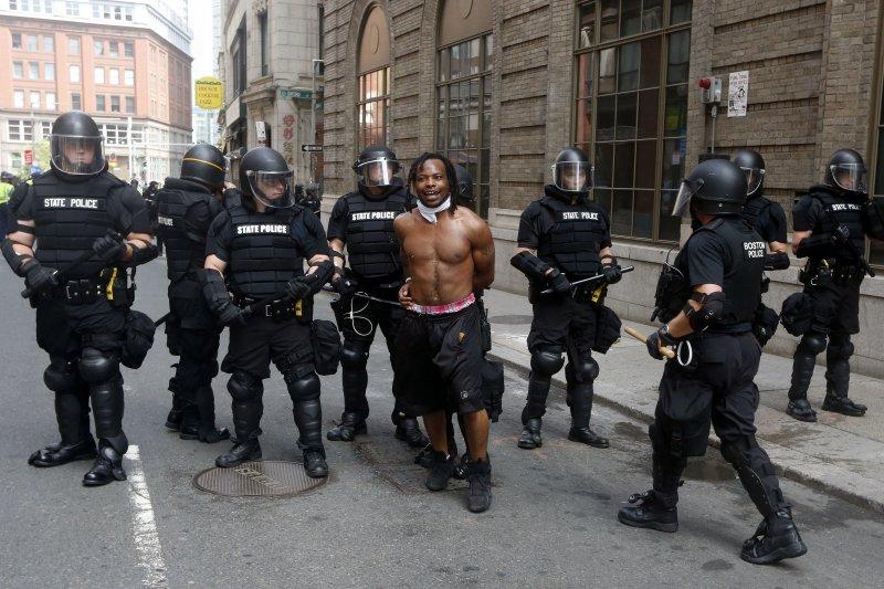 美國波士頓反種族主義遊行(AP)