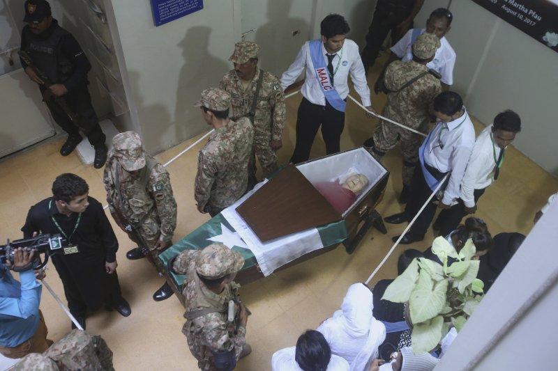 巴基斯坦的德蕾莎修女:法奧一生獻給巴基斯坦消滅痲瘋病,深受民眾敬仰,她日前過世,巴基斯坦更為她舉辦國葬(AP)