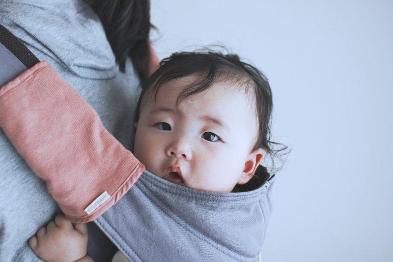 產後憂鬱症的始作俑者是什麼?是母乳政策、母嬰同室、假性單親、缺乏奧援,還是外界壓力?(圖/MIKI Yoshihito@flickr)