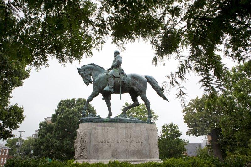 美國維吉尼亞州沙洛斯維的李將軍雕像(AP)