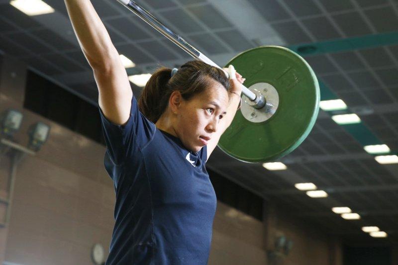 卸下奧運銅牌得主光環,郭婞淳只是個平易近人的23歲鄰家女孩。她的成長經歷,不僅平凡,還很艱苦...(圖/遠見雜誌提供)