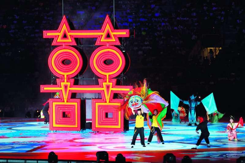 開幕式的科技歌舞表演,流程順暢。(郭晉瑋攝)