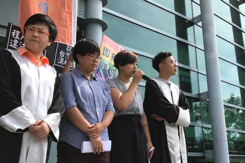 呂欣潔今(23)日表示,行政機關應該要積極做好修正《民法》的準備,讓同婚民眾可以早日受到法律保障,不用一而再、再而三上法院。(婚姻平權大平台提供)