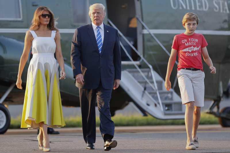 川普11歲小兒子巴倫穿著休閒遭批評(AP)
