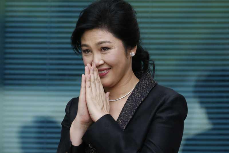 泰國前總理穎拉(Yingluck Shinatrawa)因涉入「稻米補貼瀆職案」,8月25日遭泰國最高法院發布逮捕令,全案預定9月27日宣判(AP)