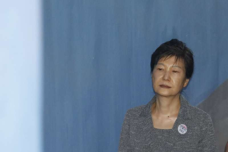 貪腐醜聞纏身的南韓前總統朴槿惠日前出庭應訊(AP)