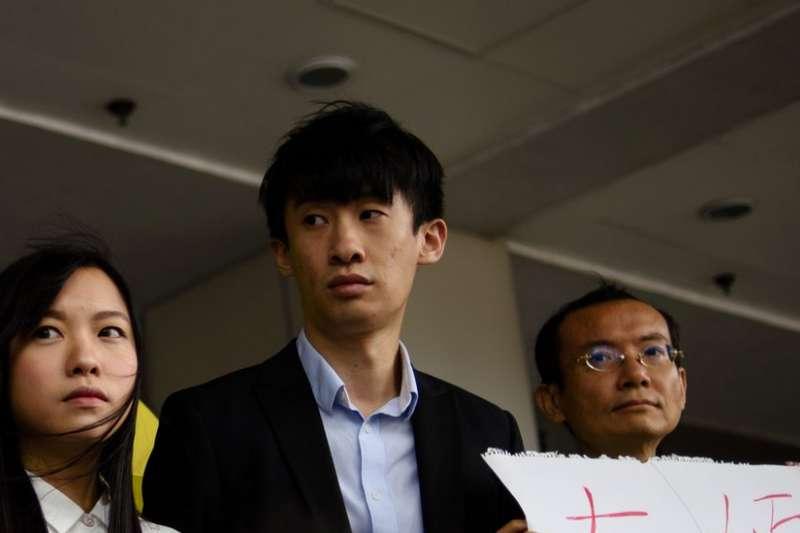 游蕙禎、梁頌恆在終審法院駁回申請後接受記者訪問。(BBC中文網)