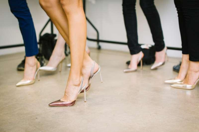 菲律賓當局禁止公司行號強迫女性穿高跟鞋上班(取自Pixabay)