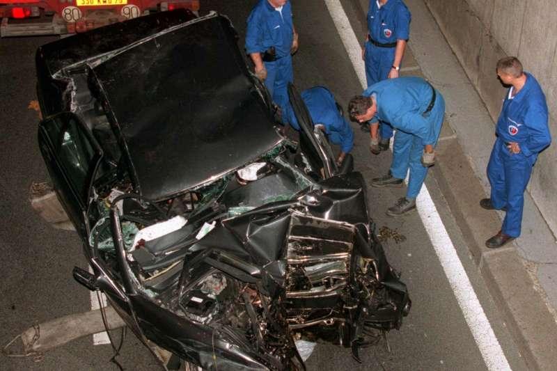 1997年8月31日,英國黛安娜王妃車禍過世(AP)