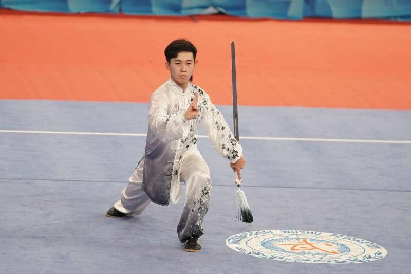 世大運武術項目28日在新竹體育館舉行舉行男子太極全能決賽,台灣選手陳宥崴以總分19.01分,奪下銀牌。(大專體總提供)