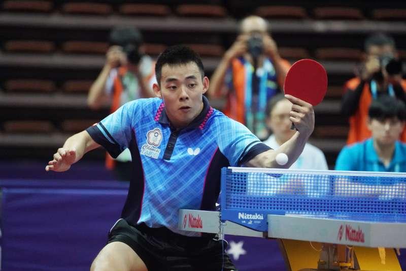 陳建安29日在世大運桌球男單金牌戰上,不敵日本選手,拿下銀牌。(大專題總提供)