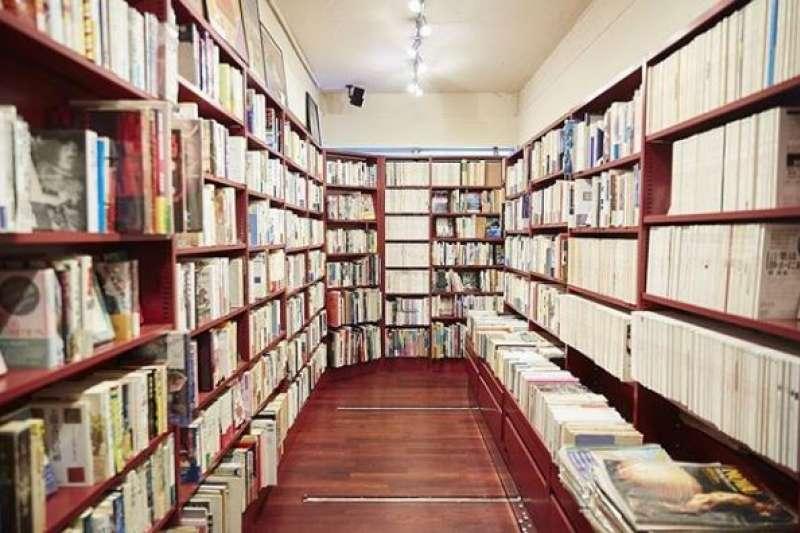 日本無書店地區上看2成,不少中小型書店都被大型書店取代。(翻攝instagram)