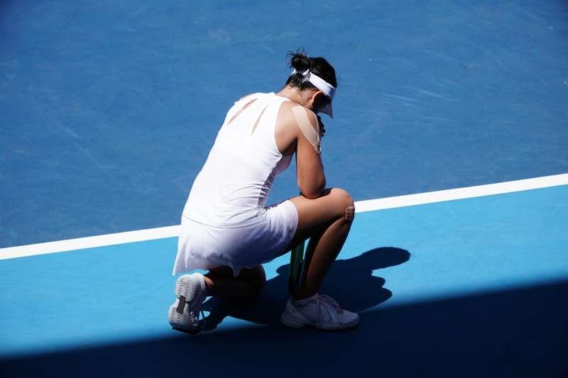 網球好手李亞軒負傷比賽。(大專體總提供)