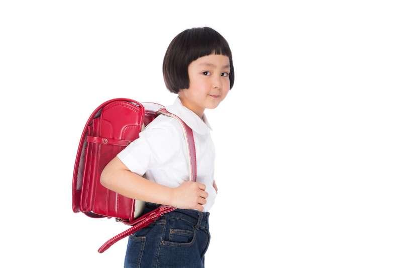 面對小一新生開學,通常父母比孩子焦慮。(圖/すしぱく@pakutaso)