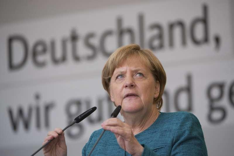德國總理梅克爾表示,德國接收難民無上限(AP)