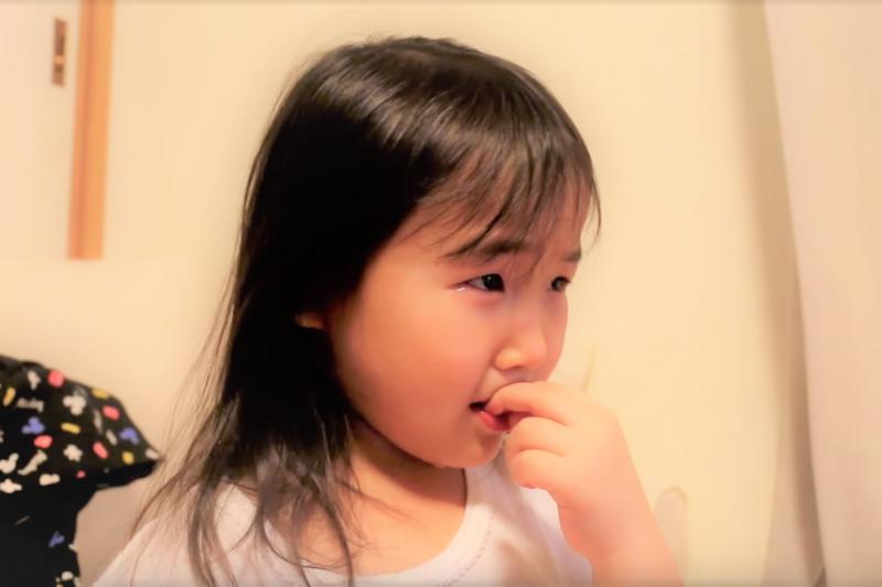 紅色的 壯陽 藥圖片 - 小孩常咬指甲、抓頭,講也講不聽?專家:問題可能來自家長壓力,3點檢查孩子焦慮源在哪