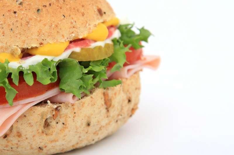 漢堡中夾那層白醬是什麼?(圖/Meditations@pixabay)