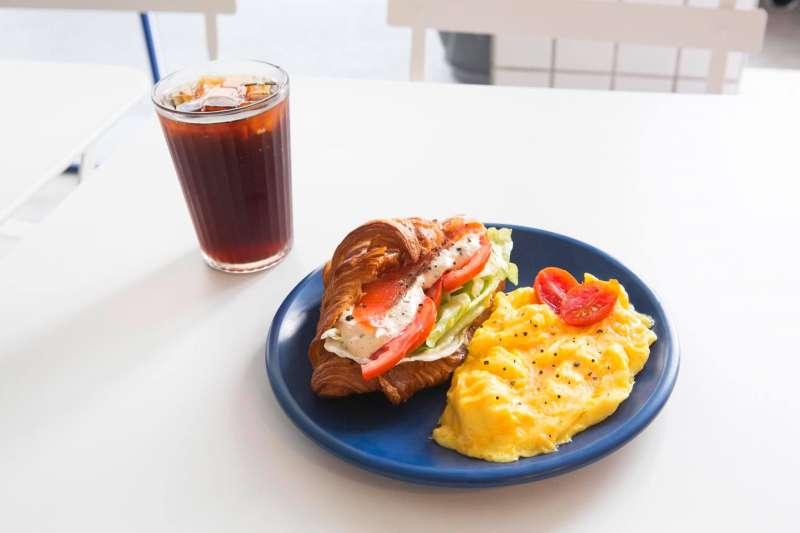 悠閒假日,來頓豐盛的早餐是必須的!(圖/餵我早餐 The Whale@Facebook)