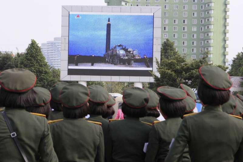 北韓日前發射彈道飛彈飛越日本上空,舉國軍民歡慶(AP)