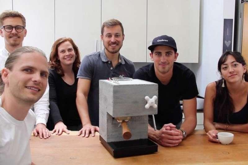 蓋房子用的水泥,竟然也可以變成咖啡機!(圖/Anza Coffee@facebook,數位時代提供)