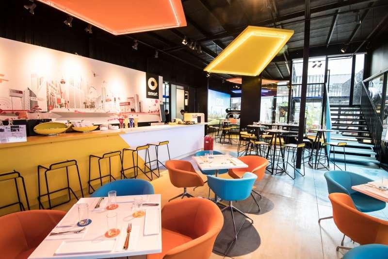#smartPopUp Taipei品牌概念館,以大膽活潑的用色,彰顯smart品牌特色(圖/smart)