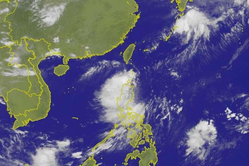 2017年第17號颱風「谷超」今(6)日上午8時正式生成,巴士海峽、蘭嶼、綠島、台灣海峽南部以及西南沿海、東沙島海域都有長浪發生,請民眾多加小心安全。(取自中央氣象局)
