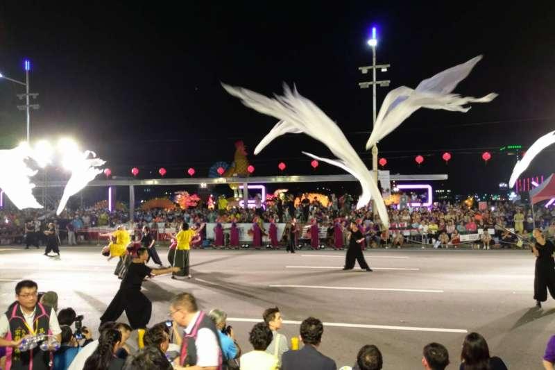 2017年基隆中元祭邀請到台灣首位進入太陽劇團的舞者張逸軍領軍編創開幕舞劇。(圖/基隆市政府提供)