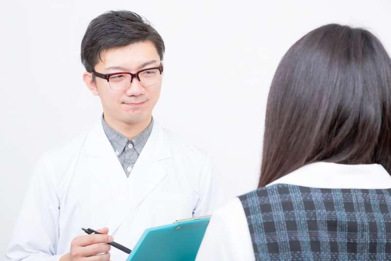 年輕人也有可能因心房顫動引發中風,應定期監測脈搏,若有問題要及早就醫檢查。圖與本文無關。(圖/Pakutaso)