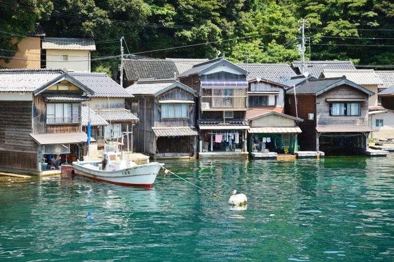 伊根的特色建築──海上舟屋。(圖/時報出版提供)