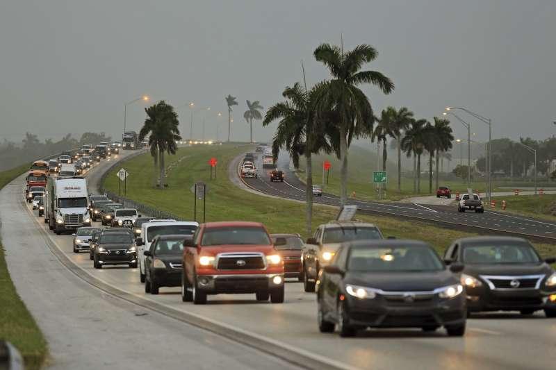 艾瑪颶風:美國佛羅里達州出現避難車潮(AP)