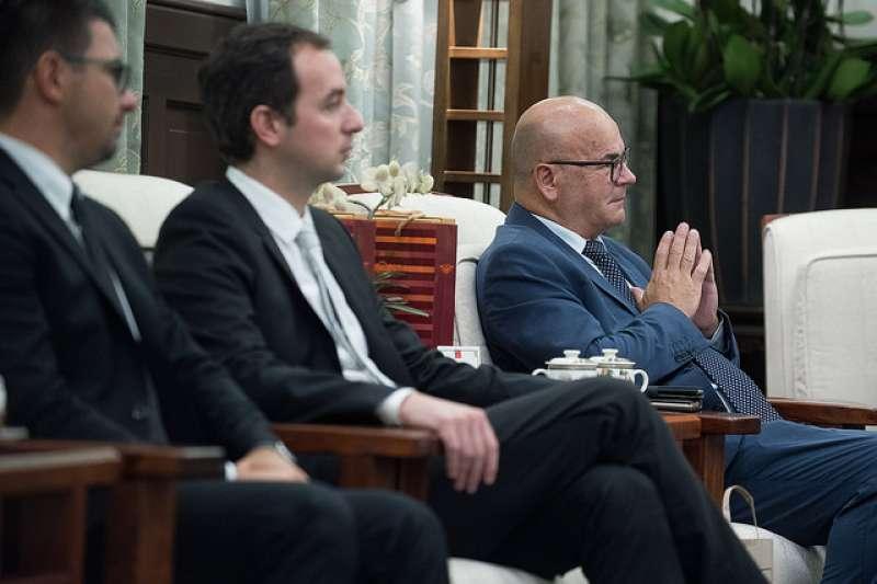 義大利「國會友台協會」訪問團今(8)日在總統府與蔡英文會面,盼深化雙方交流。(總統府提供)