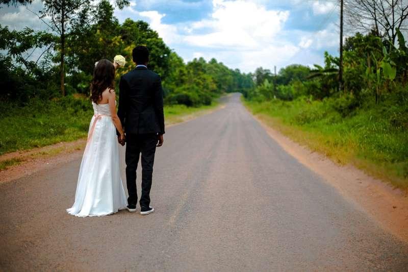 婚姻本身,本來就是愛與勇氣的冒險故事,而跨國婚姻的難度與挑戰更高。(圖/StockSnap@pixabay)