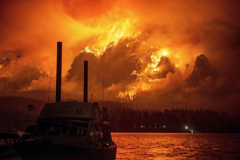 美國西部野火:奧勒岡州哥倫比亞河峽谷地區野火(AP)