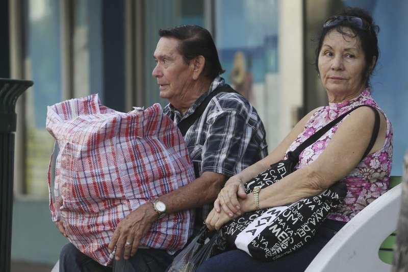 艾瑪颶風進逼美國佛羅里達州,許多居民被迫撤離(AP)