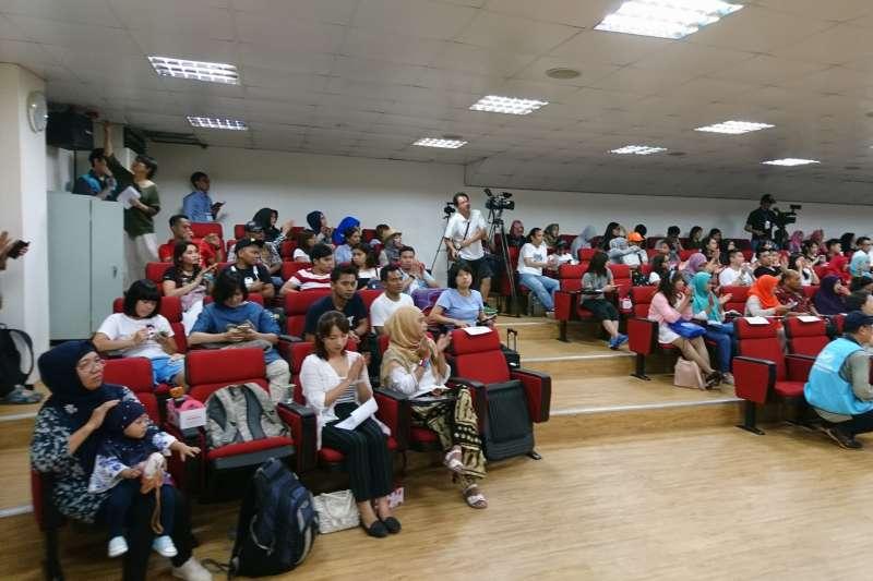 台灣外籍工作者發展協會10日在台北市開南商工舉辦「移工翻轉學苑」開學典禮,吸引許多印尼移工學員參加。(GWO Taiwan臉書)