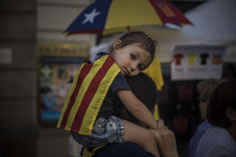 9月11日是西班牙東北自治區加泰隆尼亞的民族日,100萬人走上街頭表達想要獨立的心聲(AP)