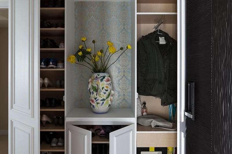 玄關櫃收納的規劃,順手、好收是最重要的。(圖/設計家Searchome提供)
